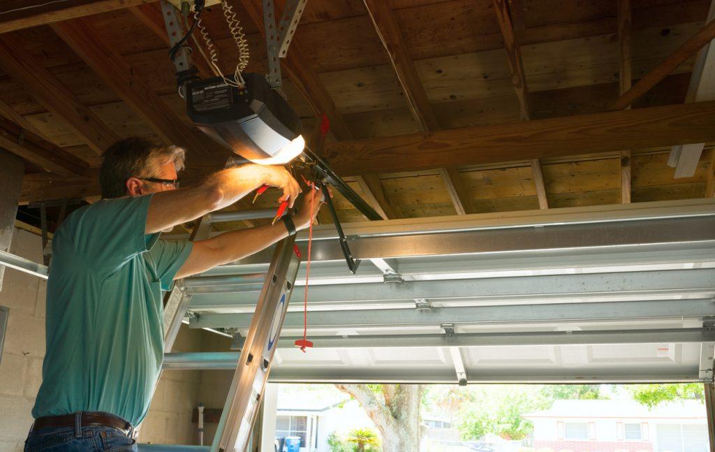 Garage Door Repair in Oakville