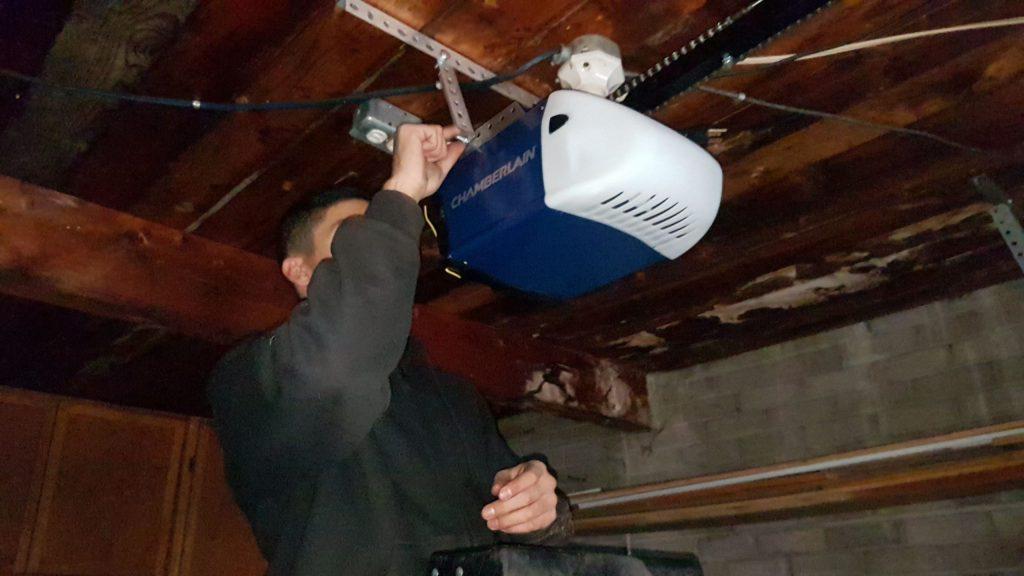 Garage Door Installation company Aurora